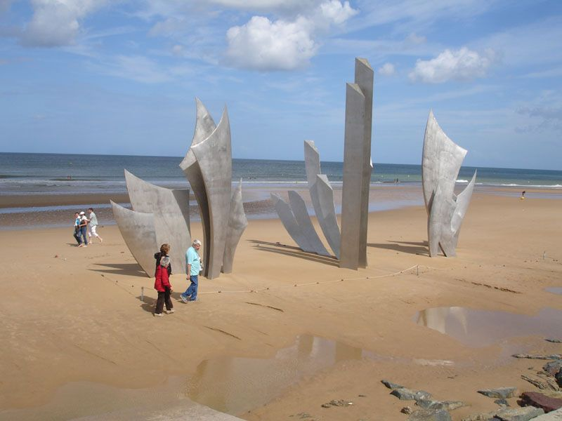 Contrasting impressions on Omaha Beach